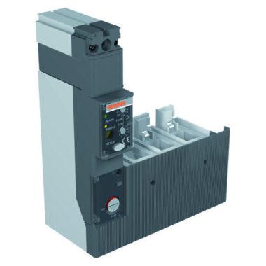 """Стыкуемое устройство токовой защиты нулевой последовательности, """"L""""- образный, для МТХ/Е 160, для 4-х полюсных выключателей, регулируемый"""